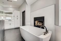 2301 Silver Bluff Ct Las Vegas-large-007-013-2nd Floor Primary Bathroom-1500x1000-72dpi.jp