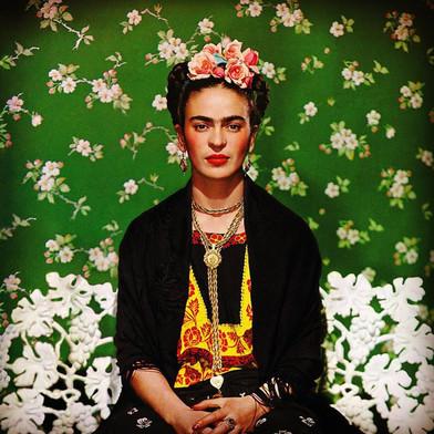 Frida Kahlo no Tomie Ohtake