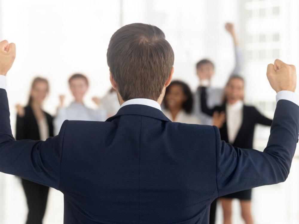 Quản lý nhân sự hiệu quả bằng cách đi đầu trong công việc và hoạt động