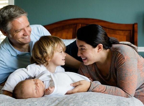 family-457235_1920_edited.jpg