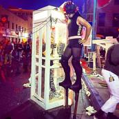 walk around stilt performance at the SomosABQ Festival 2017