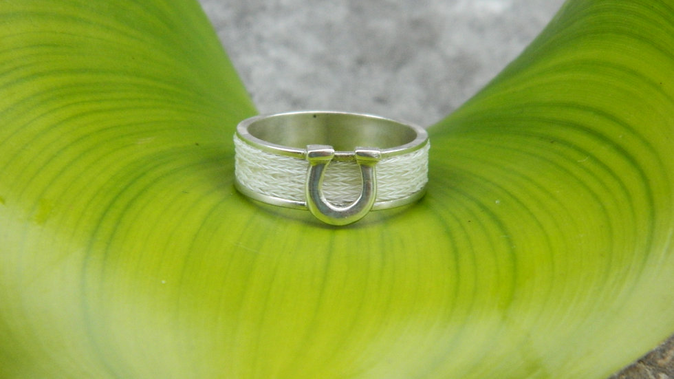 Woven Ring - Horseshoe