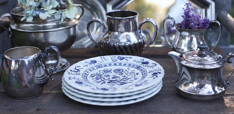 blue white dessert plates w_silver.jpg