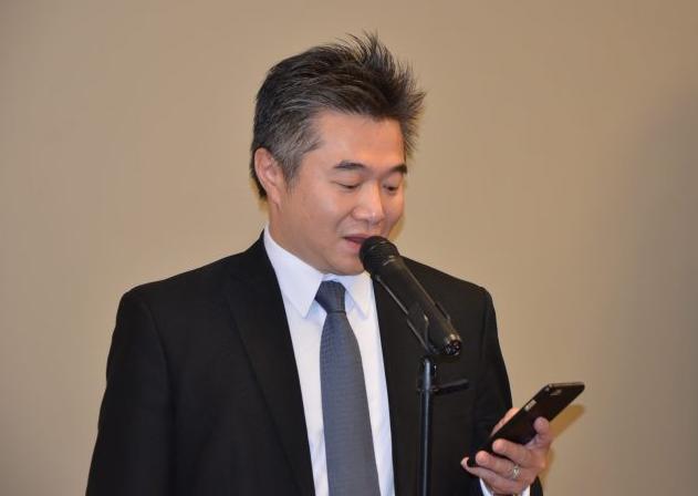 著名华裔企业家、闽商的杰出代表、Peachtree Pavilion Plaza的投资人、联丰集团董事长倪举凌先生,首先作了热情洋溢的讲话。