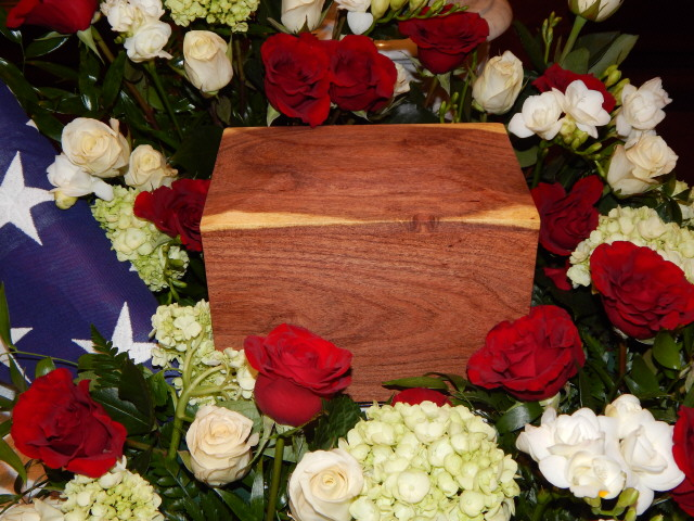 Urn, mesquite for brother Dickie 1249
