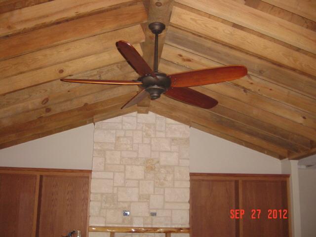 Living+Room+Vaulted+Exposed+Ceiling+1224.JPG