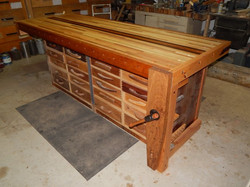 Workbench-new-top-1976