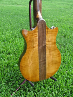 Dan+Walnut+guitar+RAY4.jpg