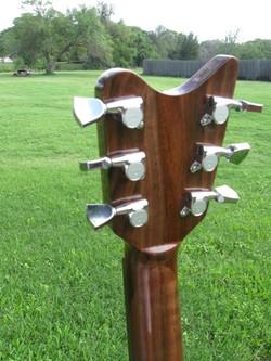 Dan+Walnut+guitar+RAY5.jpg