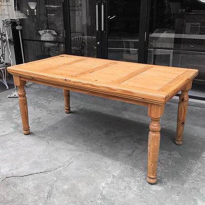 Pine table/TW01-09