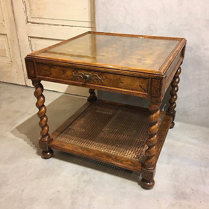 Glass top end table/TW01-01