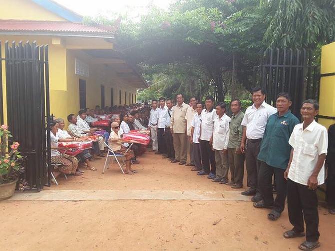 Blanket Donation in Siem Reap Village