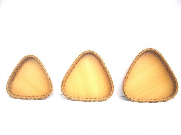 Bandeja triangular sintético