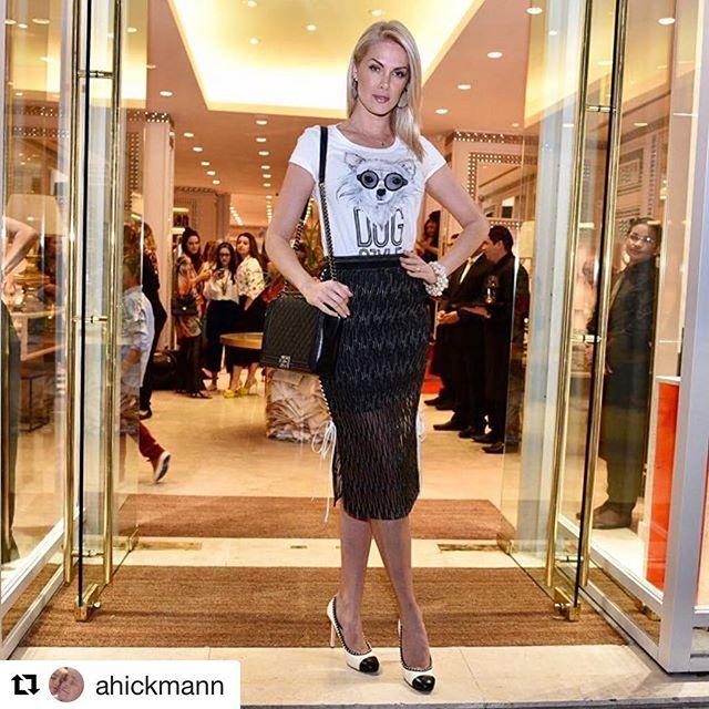 #Repost _ahickmann with _repostapp_・・・_Loja linda e muito chic da _camilakleinoficial !!! E mais lin