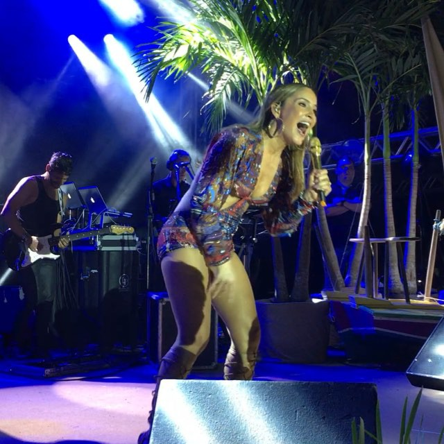 #AGUADECOCOAno30 _claudialeitte