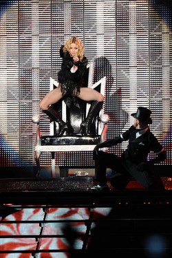 Show Madonna _ behind the sences