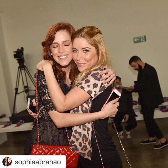 #Repost _sophiaabrahao with _repostapp._・・・_com o meu amorzinho 💕🎉 _riachuelo _inside