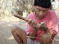 Marimop Paiter Surui, fazendo a ponta de