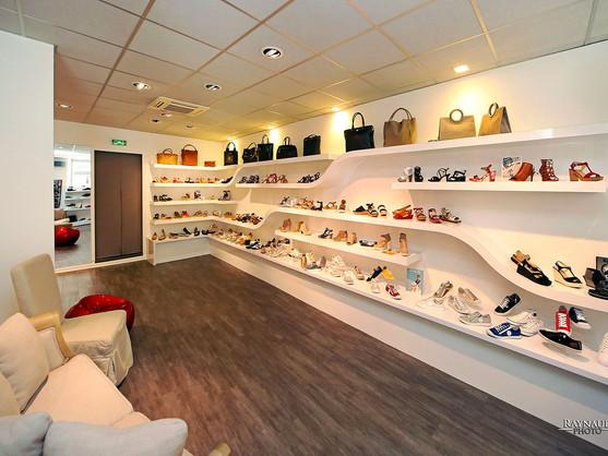Création d'étagères de magasin