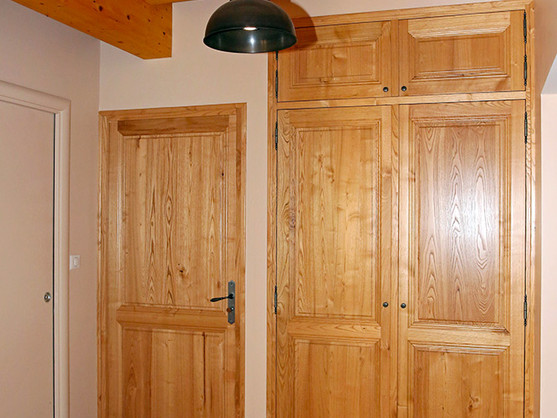Porte bois massif sur mesure