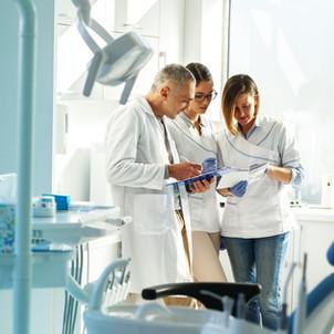 Le nombre de salariés en cabinets dentaires ne cesse d'augmenter