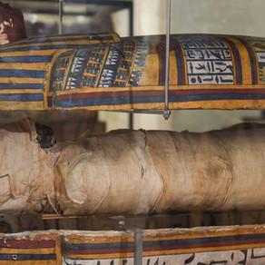 Des traces de chirurgie dentaire sur une momie égyptienne