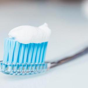 Dentifrices : 60 millions de consommateurs passe au crible les 12 références les plus utilisées