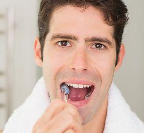 Se brosser les dents 3 fois par jour réduit les risques cardiovasculaires