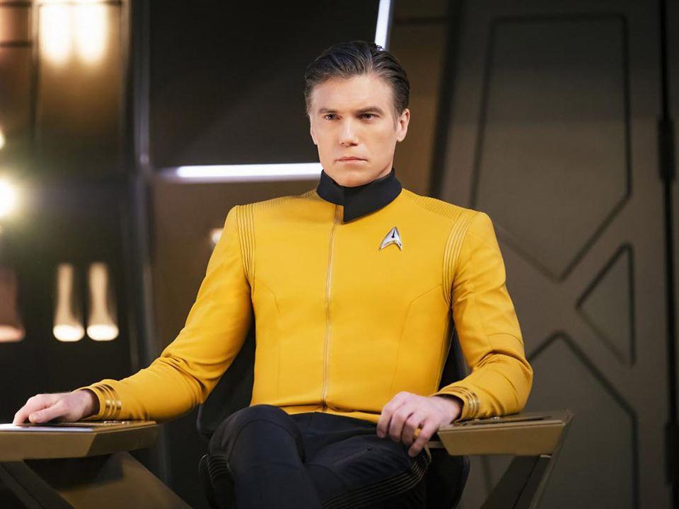 Anson Mount en tant que Capitaine Pike - Crédits : AlloCiné
