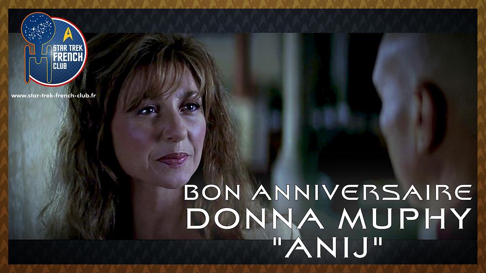 Anniversaire de Donna Murphy ici en tant qu'Anij dans Star Trek IX : Insurrection en 1998.