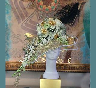 flower hat dubai, flower hat, fashion event decor flower dubai, fashion gift dubai, flower hat, custom made gift dubai