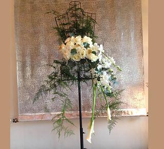 metal mannequins with flower dubai, custom made gift dubai,  creative flower present dubai, event dubai, fashion flower