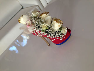 flower shoes, fashion decor gift, creative gift dubai, creative flower dubai, present dubai