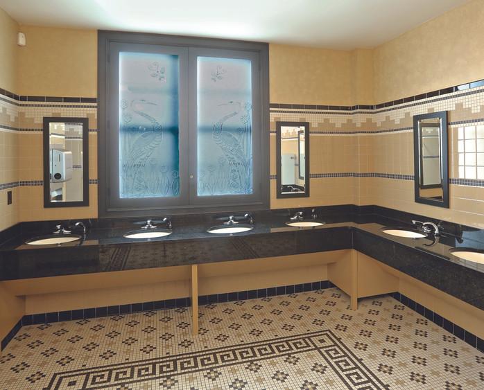 30046579_Image9_Bathroom.jpg