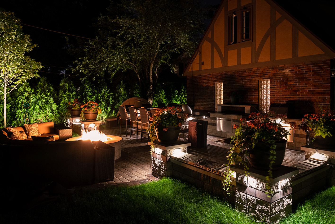 Backyard Paradise Lighting