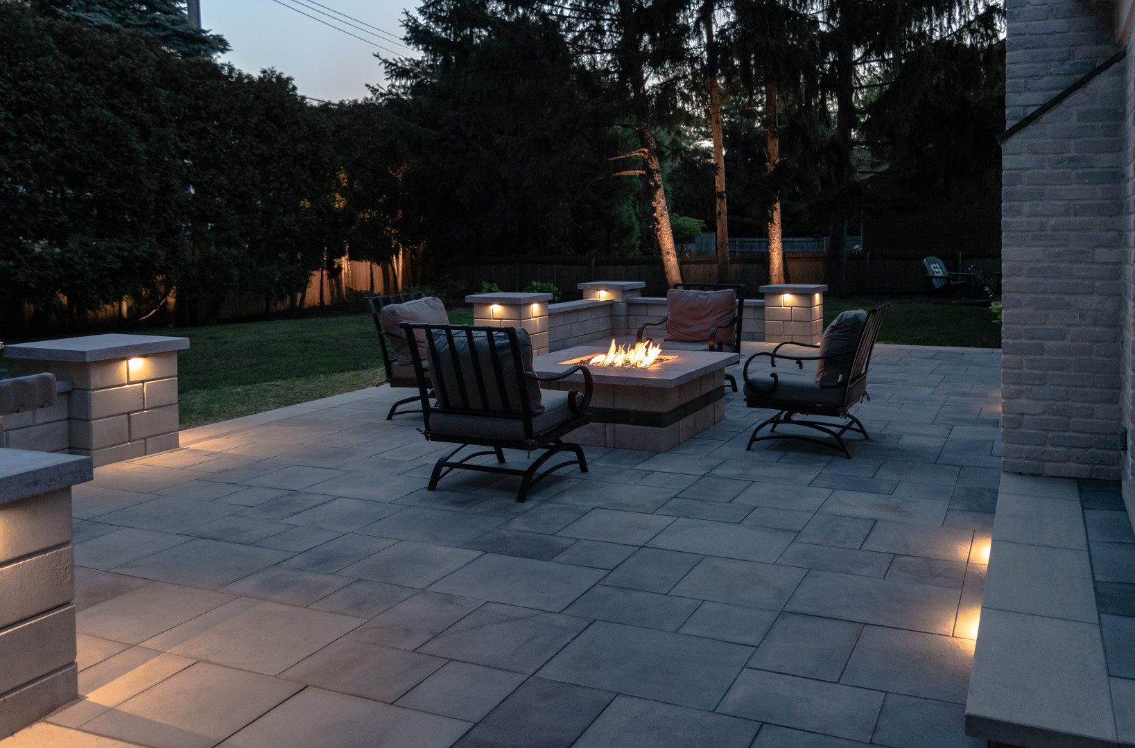 Comfortable Outdoor Living with Lighting