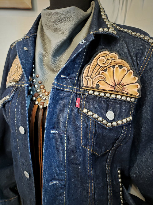 Revamp Levi's denim jacket