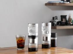MY DUTCH 冰滴咖啡壺 突破性的概念,將冰滴咖啡又帶入了一個全新的領域,一推出就獲得各界好評。身為咖啡愛好者的品物夥伴,為喜愛香醇風味咖啡迷挑選了屬於炎炎夏日的醇淨清涼好選擇!