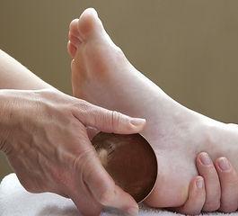 Massage des Pieds et bol Kansu