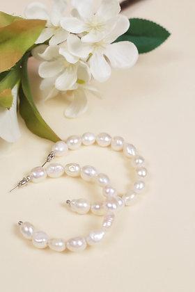 Sedna pearl earring