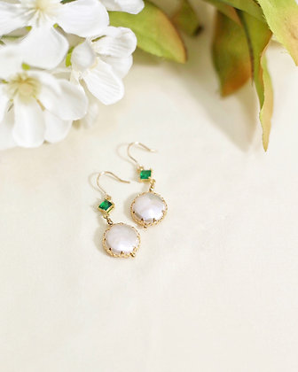 Ava pearl earrings (18k gold)