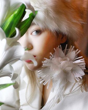 Zennie flower choker
