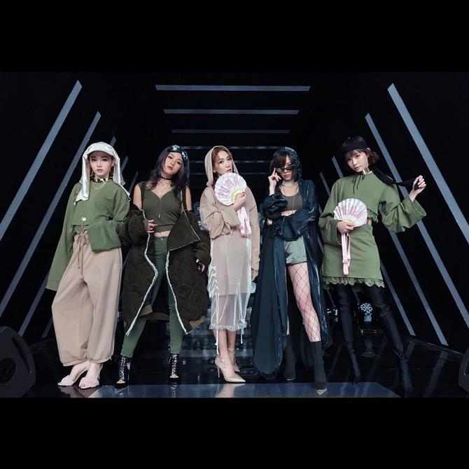 香港女子組合Super Girls配戴我們出品的Choker出席 2017 #勁歌金曲優秀選第一回 🖤