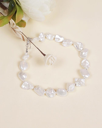 Sedna pearl necklace