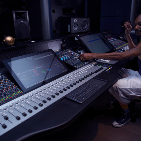 'In the Dogg House' - Snoop Dogg installs Genesys Black G64