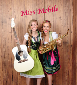 Miss Mobile Duo flanierend