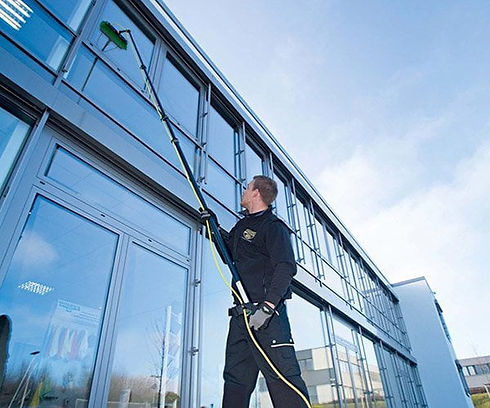window-cleaning-reliableservice-1.jpg