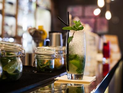 Mocktail! Rinfrescarsi con gusto e benessere grazie alle piante officinali.