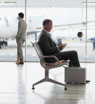 空港に座っ