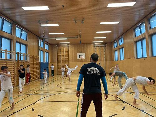 Capoeira Training Jugendliche und Erwachsene